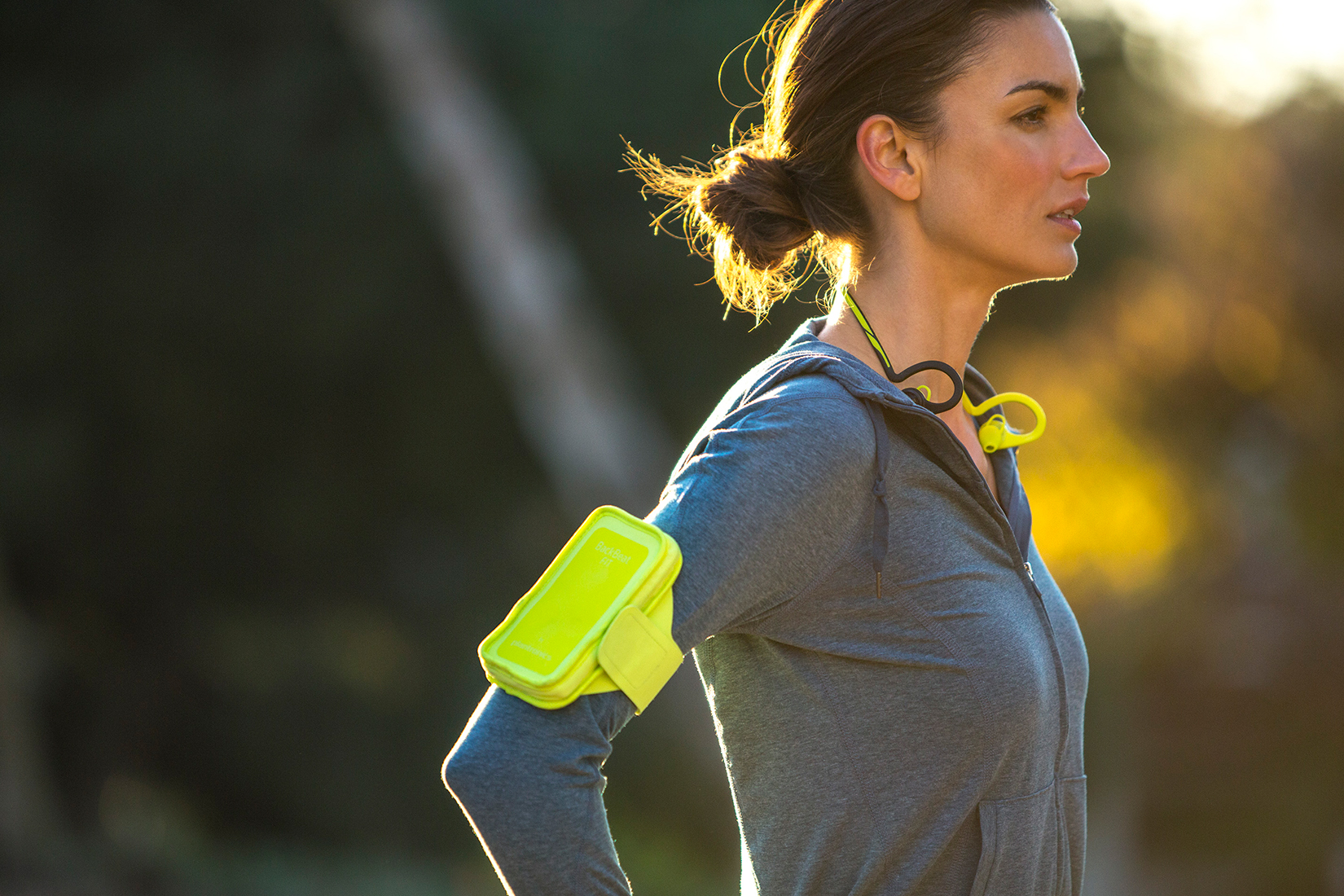 Plantronics_BackBeatFIT_Female_Park_Running-7825